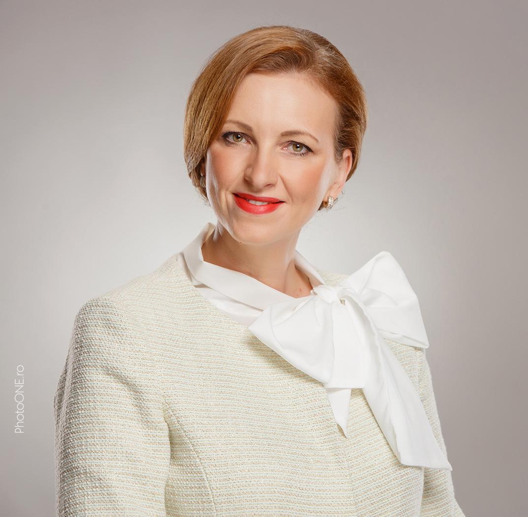 Andreea Hiriza, psiholog și psihoterapeut