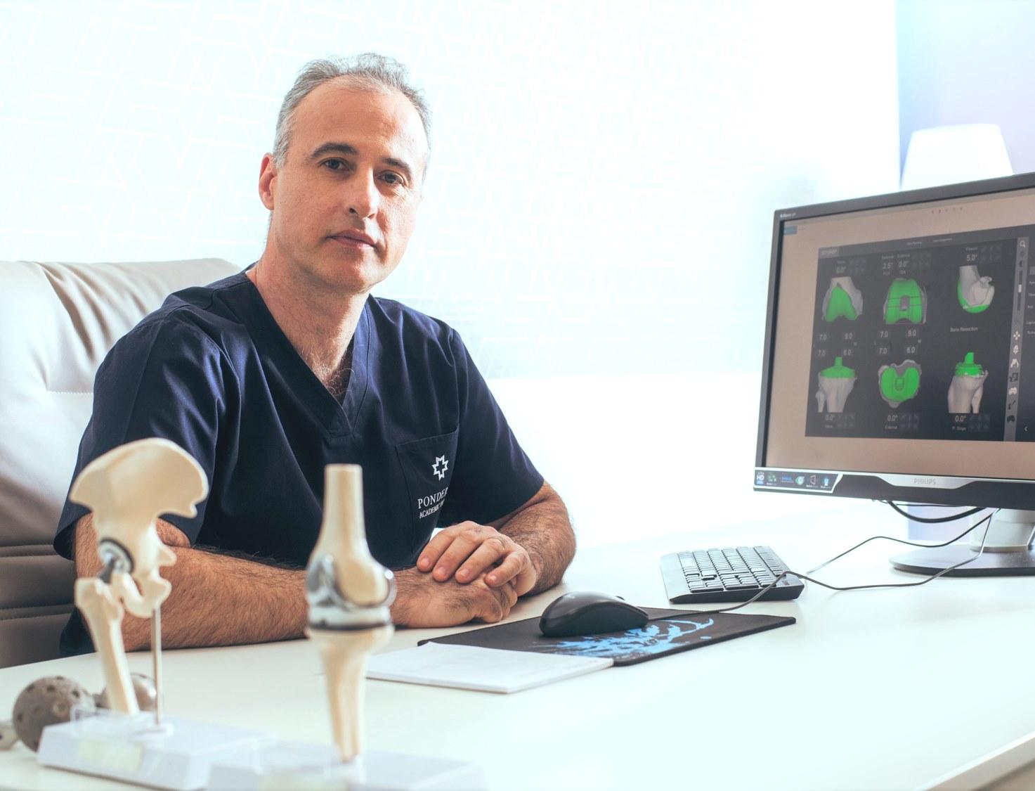 Dr. Vlad Predescu, medic primar ortopedie și traumatologie la Ponderas Academic Hospital