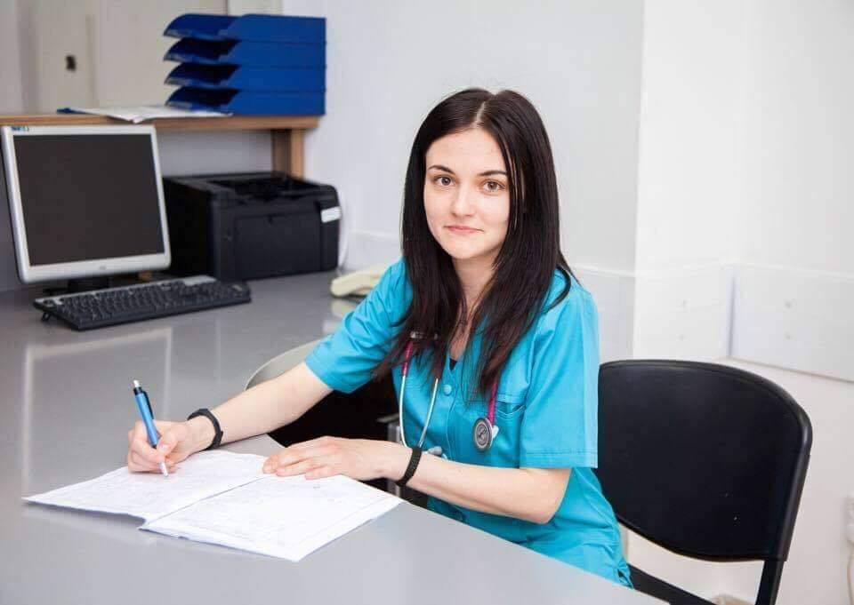 dr. Georgiana Mănăilă, medic gastroenterolog.