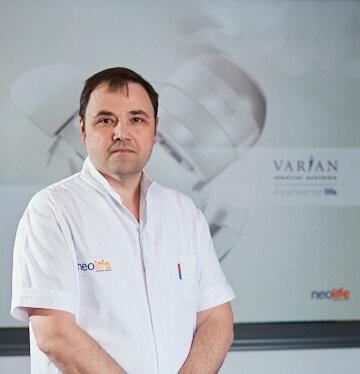 Dr Dan Jinga, oncolog Neolife