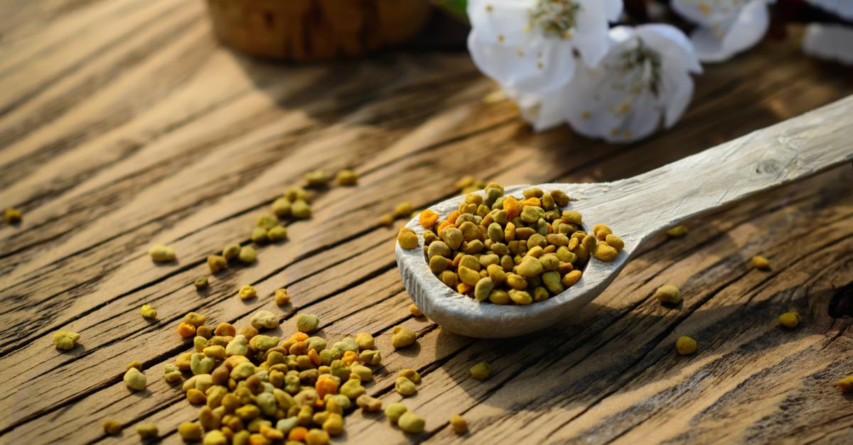polen crud beneficii mod de administrare si posibile efecte secundare. lingura cu polen de albine